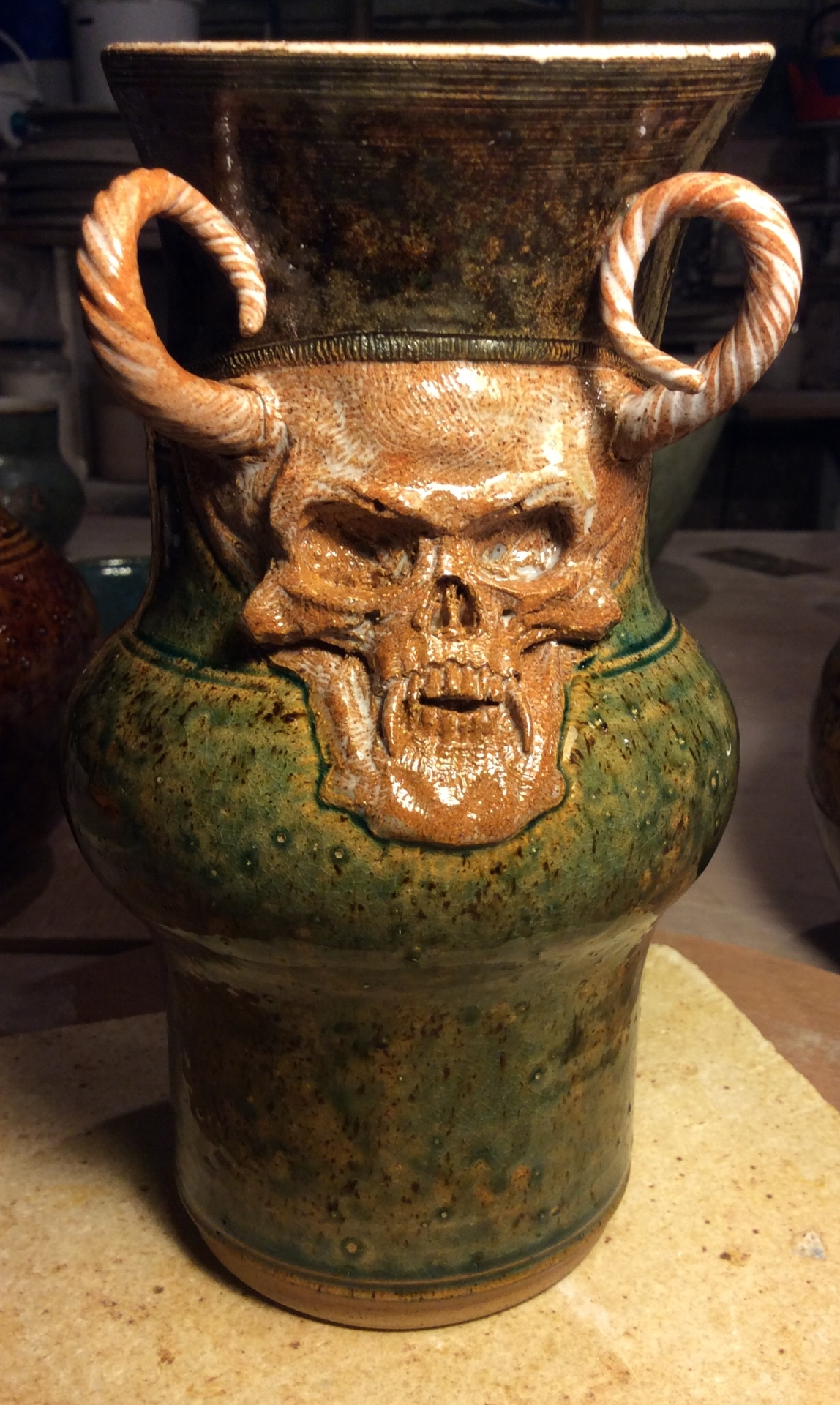 fantasy scull jug 10 inches high